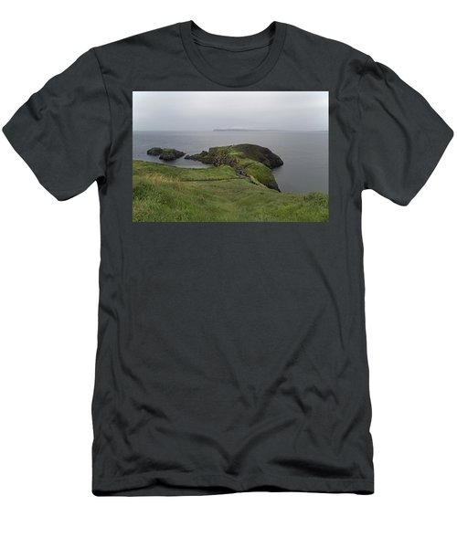 Forever Green Carrick-a-rede Northern Ireland Men's T-Shirt (Athletic Fit)