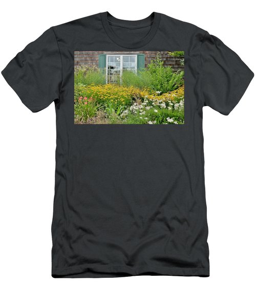 Gardens At The Good Earth Market Men's T-Shirt (Athletic Fit)