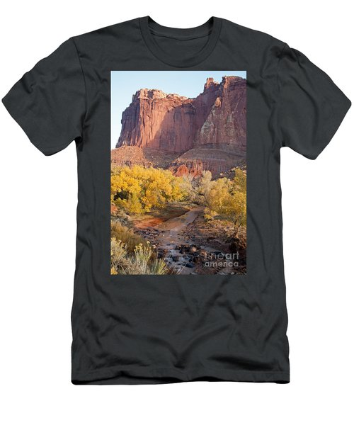 Gifford Farm Capitol Reef National Park Men's T-Shirt (Athletic Fit)