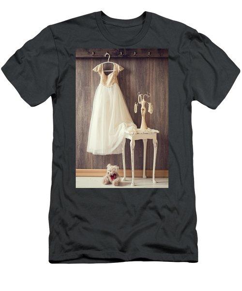 Girl's Bedroom Men's T-Shirt (Athletic Fit)