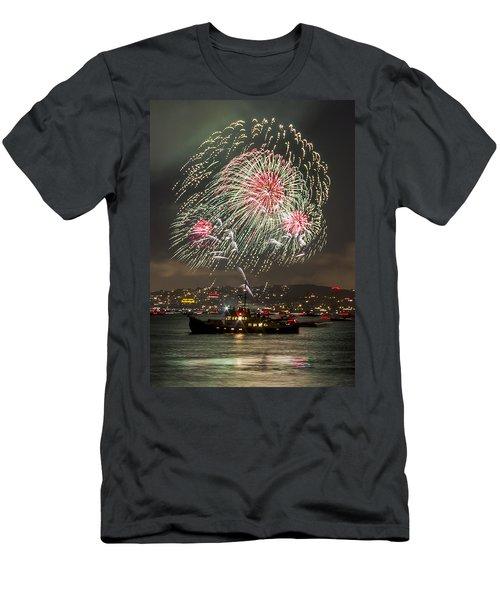 Golden Gate Bridge 75th Anniversary Fireworks 18 Men's T-Shirt (Athletic Fit)