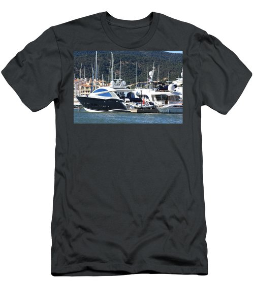 Harbour Docking Scene Men's T-Shirt (Athletic Fit)