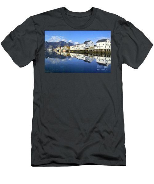 Henningsvaer Harbour Men's T-Shirt (Athletic Fit)