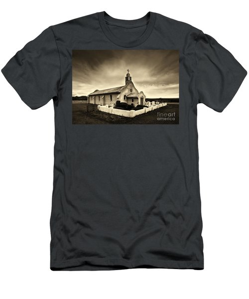 Historic Old Adobe Spanish Style Catholic Church San Ysidro New Mexico Men's T-Shirt (Athletic Fit)