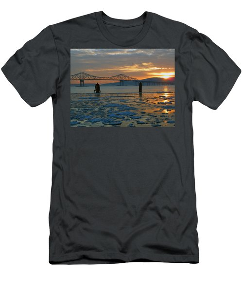 Hudson River Icey Sunset Men's T-Shirt (Athletic Fit)