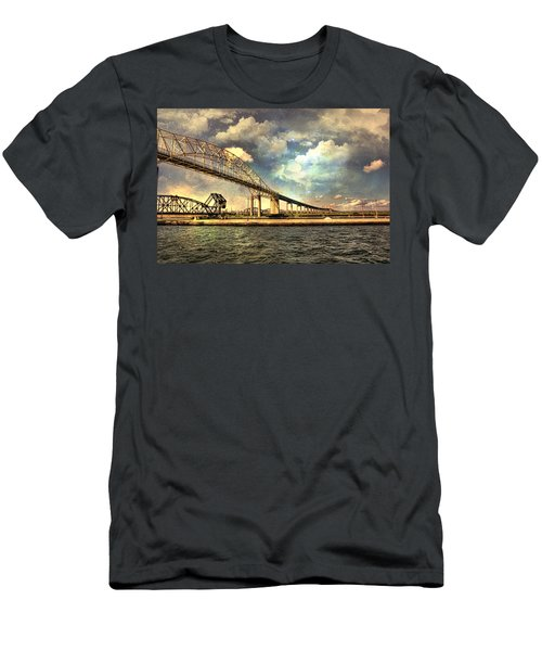 International Bridge Sault Ste Marie Men's T-Shirt (Athletic Fit)
