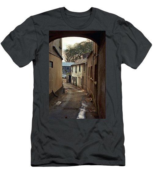 Irish Alley 1975 Men's T-Shirt (Athletic Fit)