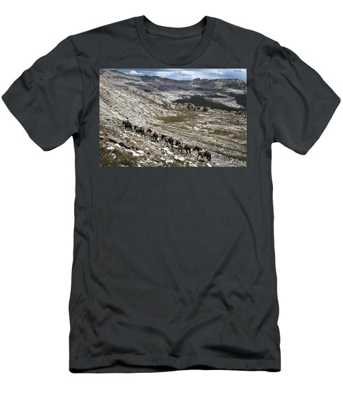 Isberg Packing Men's T-Shirt (Athletic Fit)
