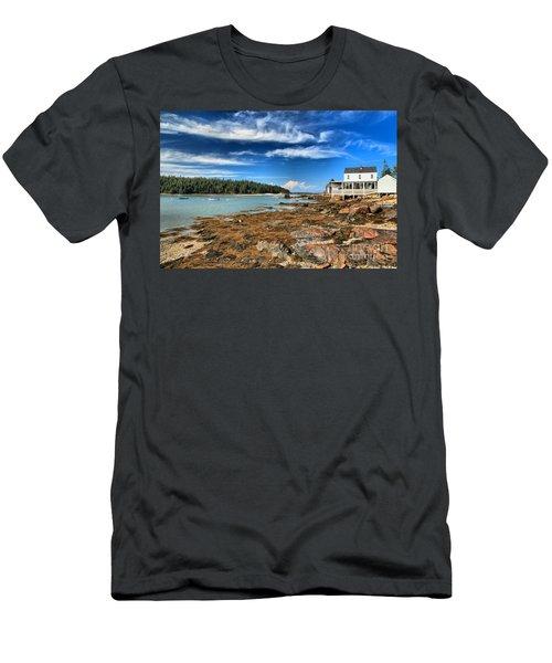 Isle Au Haut House Men's T-Shirt (Athletic Fit)