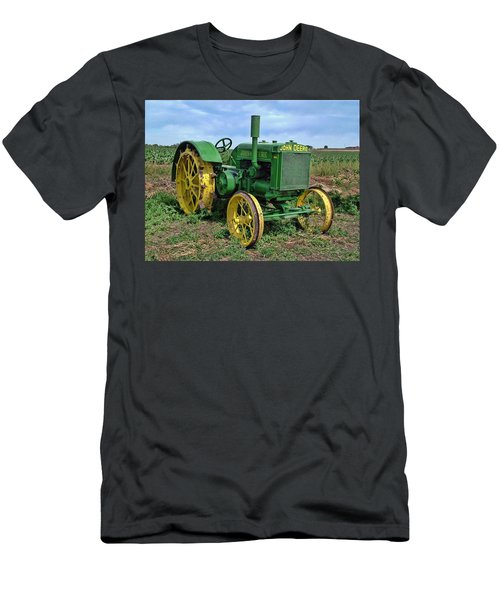 John Deere Tractor Hdr Men's T-Shirt (Athletic Fit)