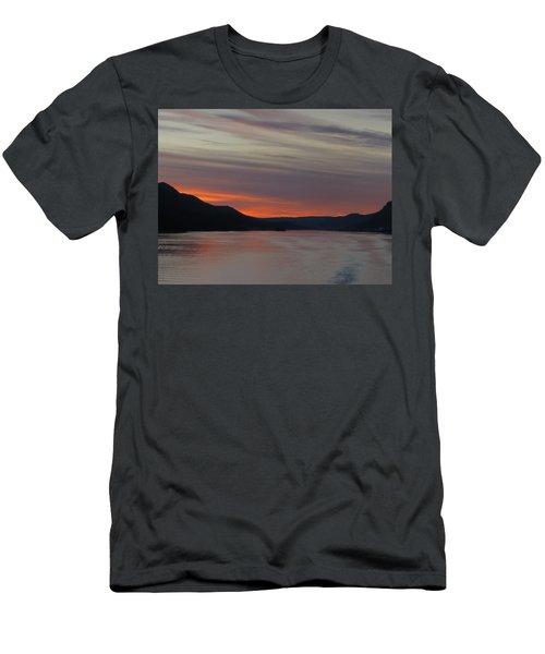 Juneau Alaska Men's T-Shirt (Athletic Fit)