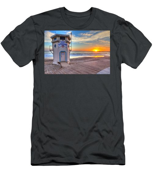 Lifeguard Tower On Main Beach Men's T-Shirt (Athletic Fit)