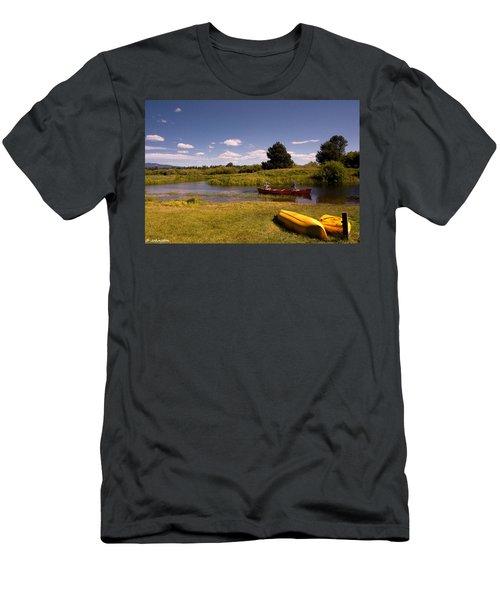 Little Deschutes River Bend Sunriver Thousand Trails Men's T-Shirt (Athletic Fit)