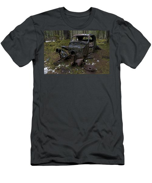 Lost In The Woods Men's T-Shirt (Athletic Fit)