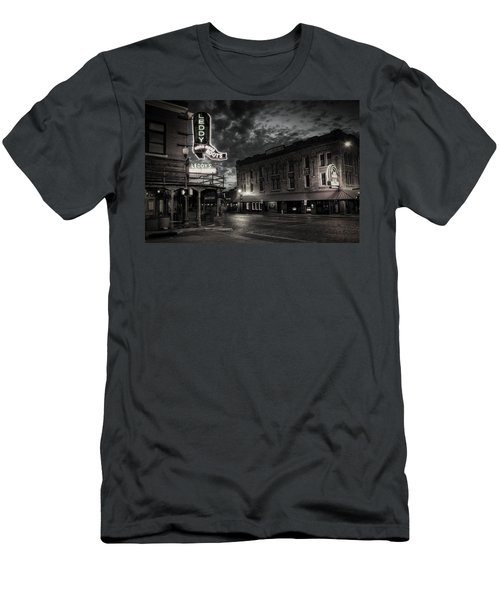 Main And Exchange Bw Men's T-Shirt (Athletic Fit)