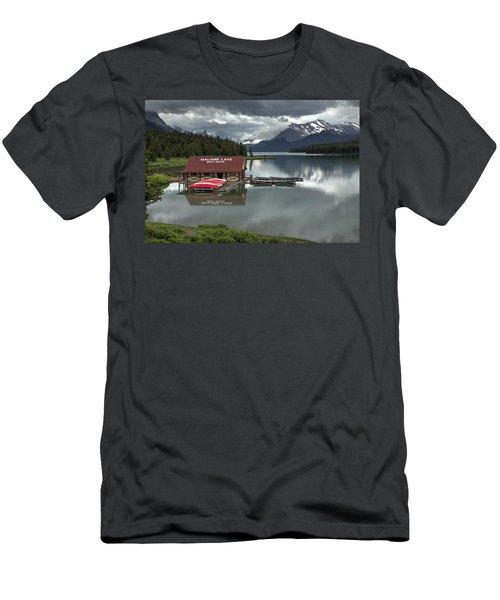 Maligne Lake Jasper Park Men's T-Shirt (Athletic Fit)