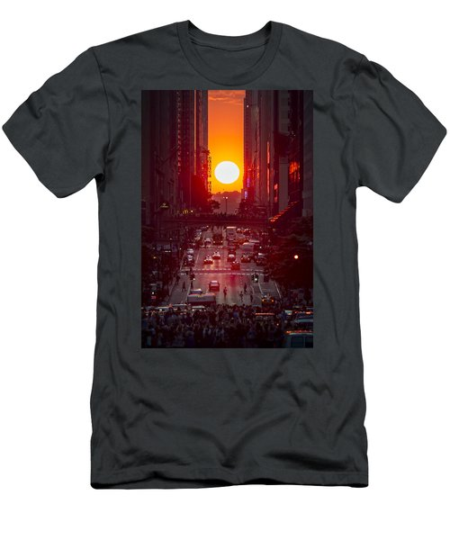Manhattanhenge Men's T-Shirt (Athletic Fit)