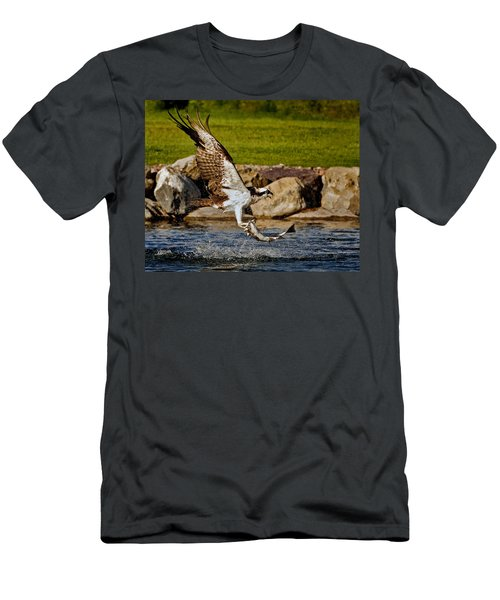 Master Fisherman Men's T-Shirt (Athletic Fit)