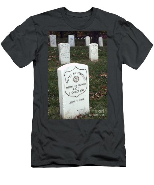 Medal Of Honor Men's T-Shirt (Athletic Fit)