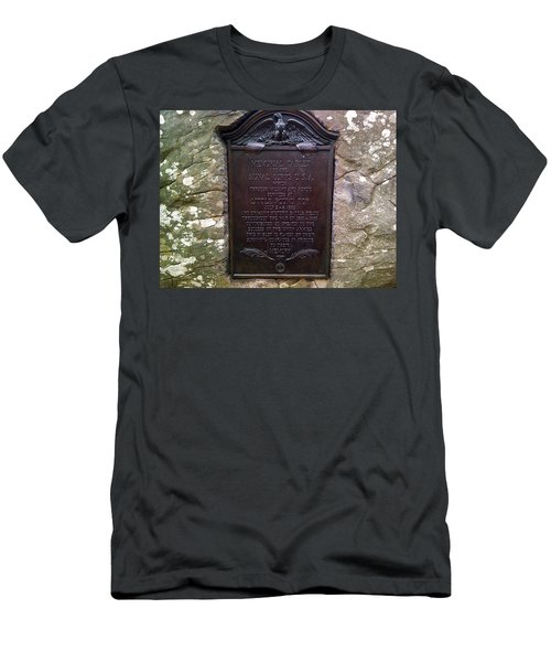 Memorial Tablet To Signal Corps U.s.a. Men's T-Shirt (Athletic Fit)
