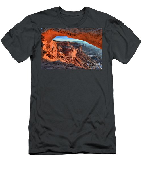 Mesa Arch Frame Men's T-Shirt (Athletic Fit)