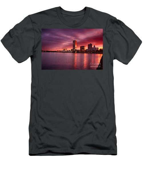 Milwaukee Sunset Men's T-Shirt (Athletic Fit)