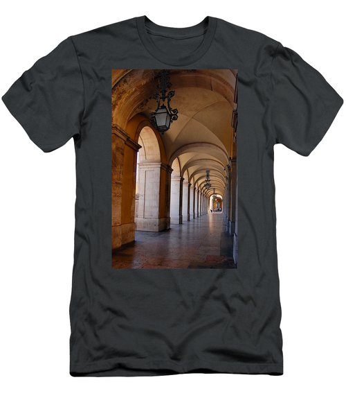 Ministerio Da Justica Men's T-Shirt (Athletic Fit)