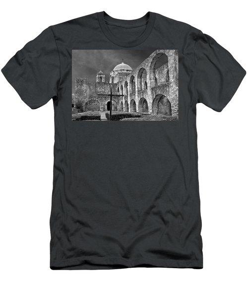 Mission San Jose Arches Bw Men's T-Shirt (Athletic Fit)