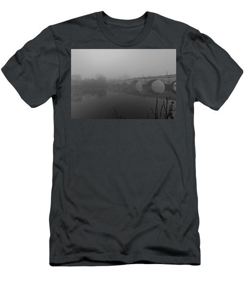 Misty Richmond Bridge Men's T-Shirt (Athletic Fit)