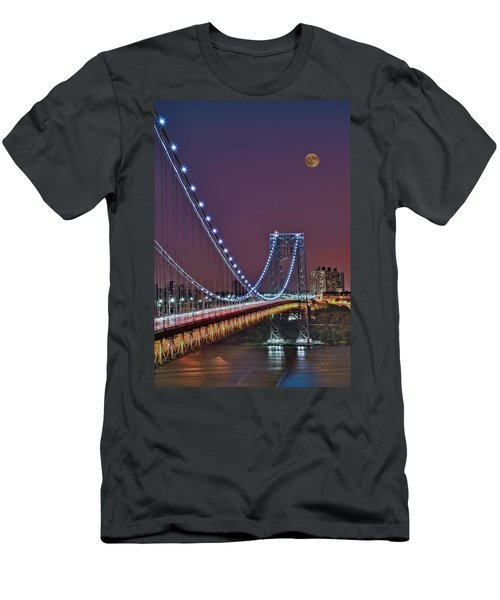 Moon Rise Over The George Washington Bridge Men's T-Shirt (Athletic Fit)