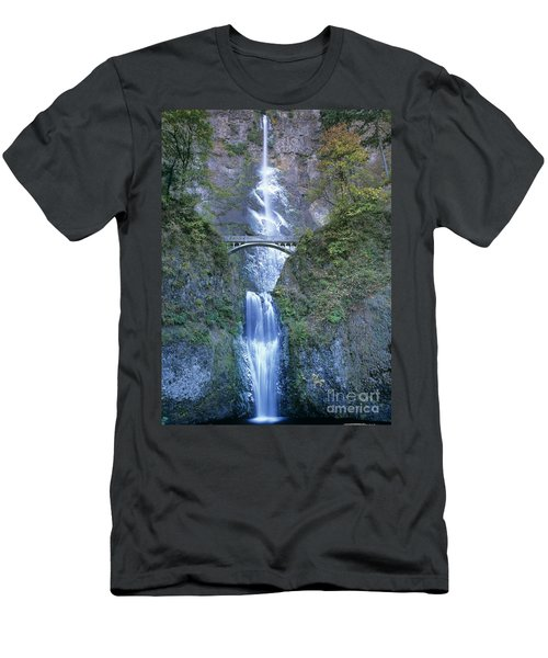 Multnomah Falls Columbia River Gorge Men's T-Shirt (Athletic Fit)