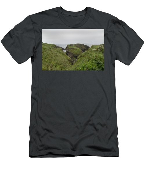 Natural Paradise Carrick-a-rede Northern Ireland Men's T-Shirt (Athletic Fit)