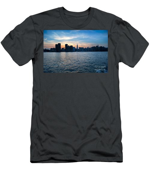 New York New York Men's T-Shirt (Athletic Fit)