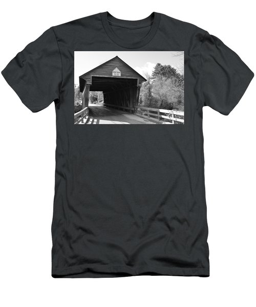 Nh Covered Bridge Men's T-Shirt (Athletic Fit)