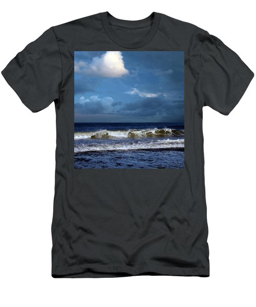 Nor'easter Blowin' In Men's T-Shirt (Athletic Fit)