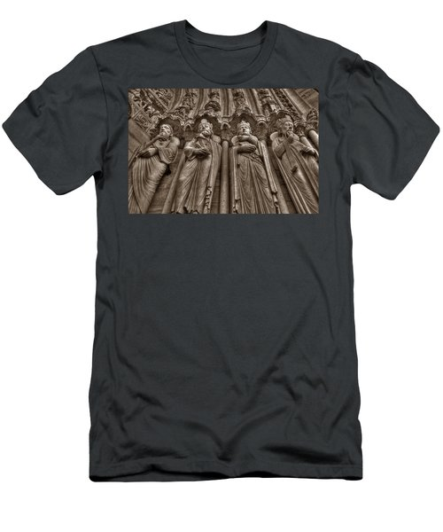 Notre Dame Facade Detail Men's T-Shirt (Athletic Fit)