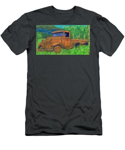 Old Canadian Truck Men's T-Shirt (Athletic Fit)