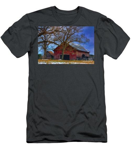 Old Farm Men's T-Shirt (Athletic Fit)