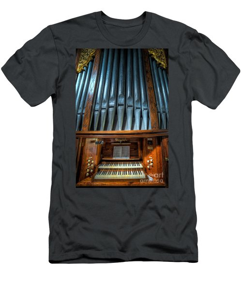 Olde Church Organ Men's T-Shirt (Athletic Fit)