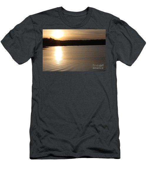 Oyster Bay Sunset Men's T-Shirt (Slim Fit) by John Telfer