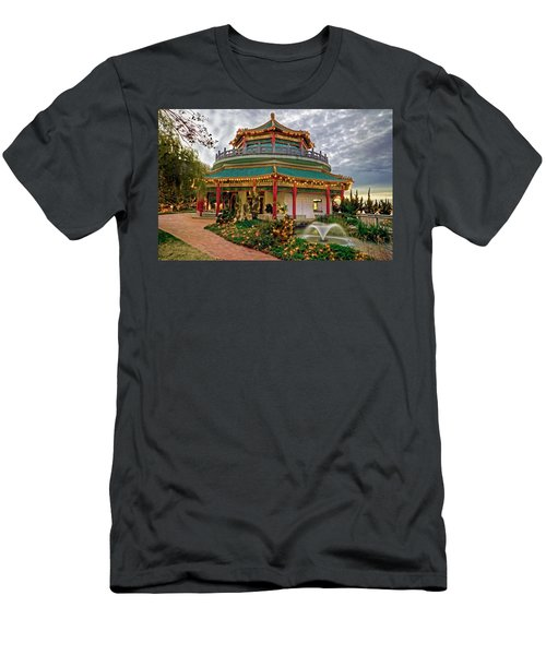 Pagoda In Norfolk Virginia Men's T-Shirt (Athletic Fit)