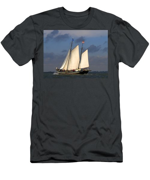 Paint Sail Men's T-Shirt (Athletic Fit)