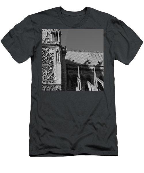 Paris Ornate Building Men's T-Shirt (Athletic Fit)