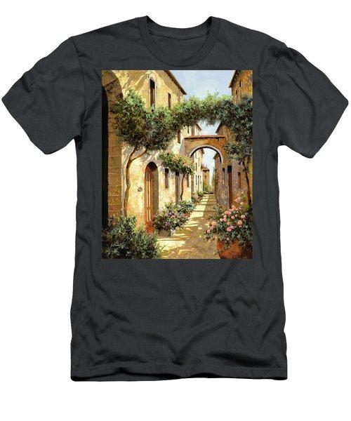 Passando Sotto L'arco Men's T-Shirt (Athletic Fit)