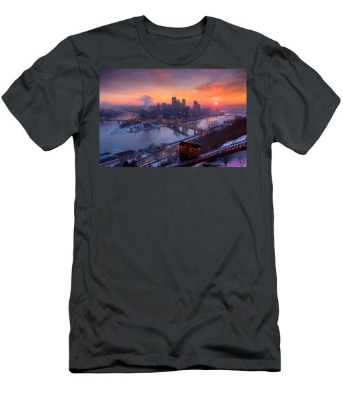 Pittsburgh Skyline Winter 2 Men's T-Shirt (Athletic Fit)