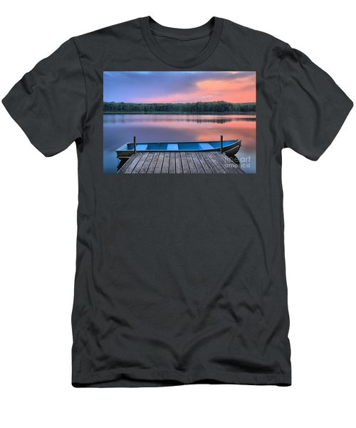 Poconos Lake Whitney Sunset Rowboat Men's T-Shirt (Athletic Fit)
