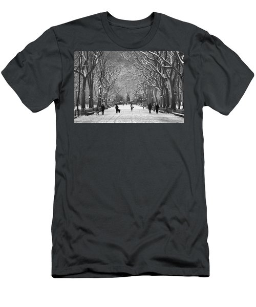 New York City - Poets Walk Winter Men's T-Shirt (Athletic Fit)