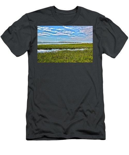 Ponquogue Bridge Men's T-Shirt (Athletic Fit)