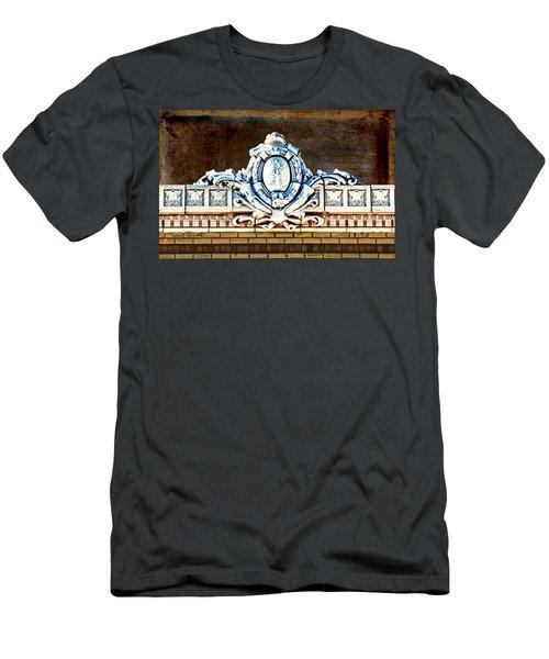 Redfield Roofline 4 Men's T-Shirt (Athletic Fit)