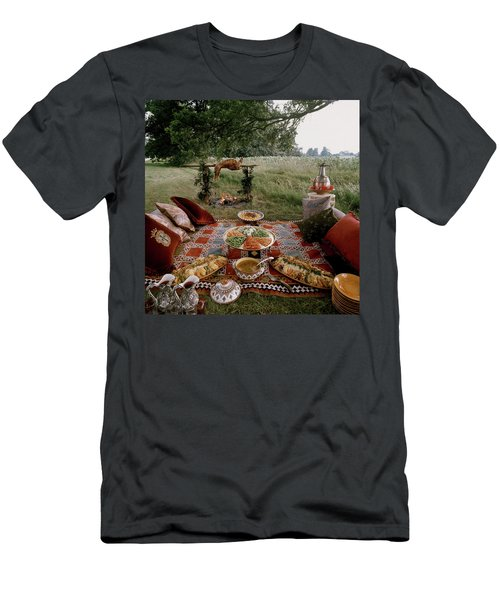 Robert Carrier's Moroccan Picnic In A Field Men's T-Shirt (Athletic Fit)